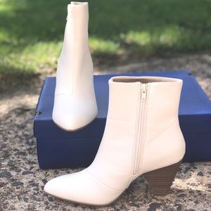 Apt. 9 Ivory Women's Ankle Boots. NWB!